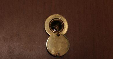 Sicurezza domestica: cambiare la porta blindata
